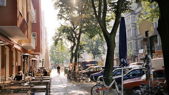 De Simon-Dach-Straße in het hart van Friedrichshain