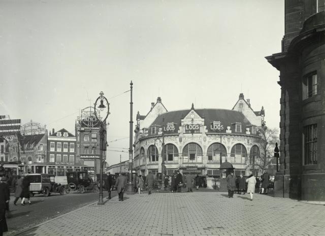 Hofplein, met café Loos, rond 1930