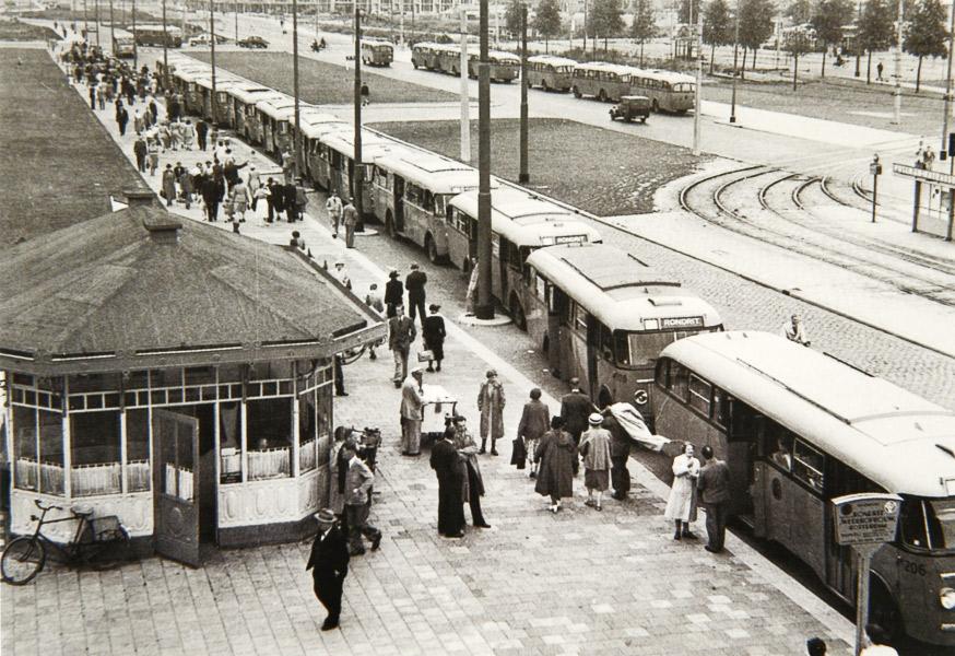 vers-beton-rotterdam-stadsarchief-wederopbouwrit-bussen