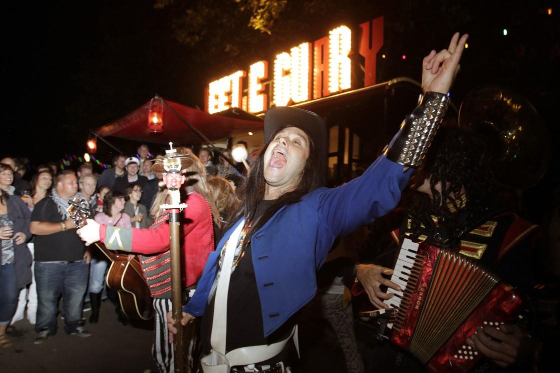 1000-Rotterdam-Festivals-Editorial