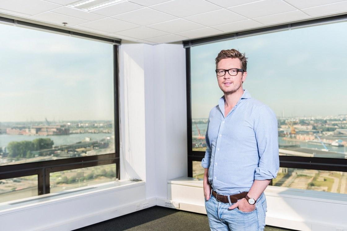Portret van Robin Slakhorst CEO Symbid in opdracht van Vers Beton.