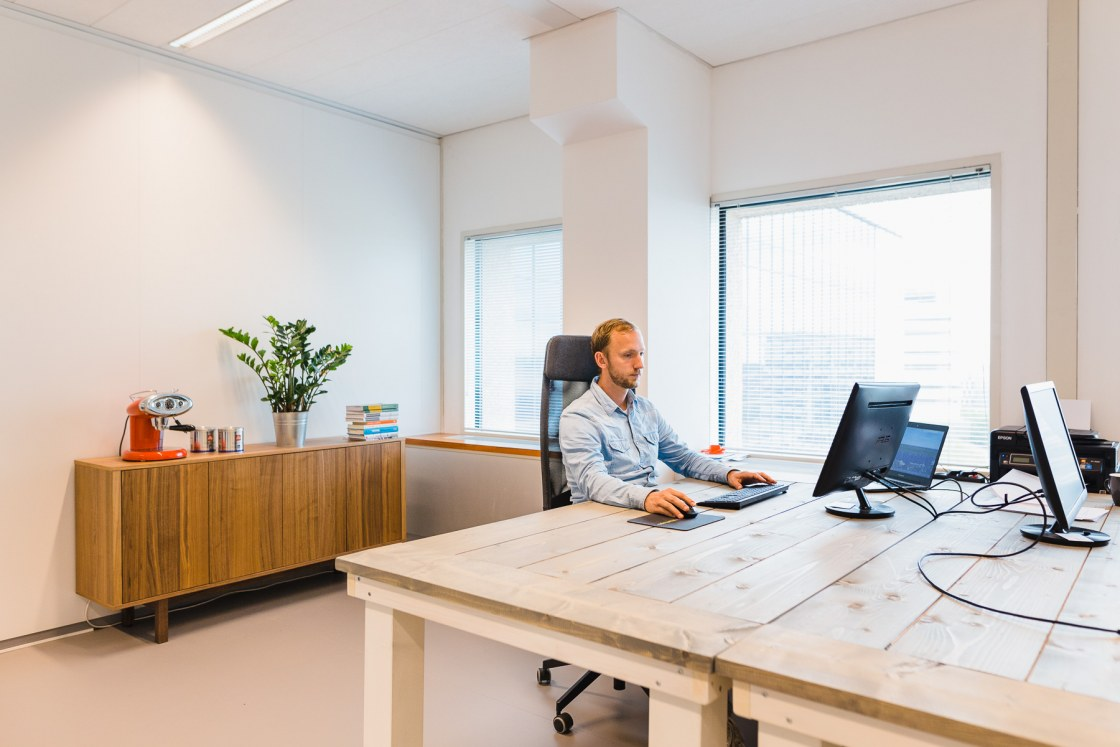 9896-WEB-Willem de Kam