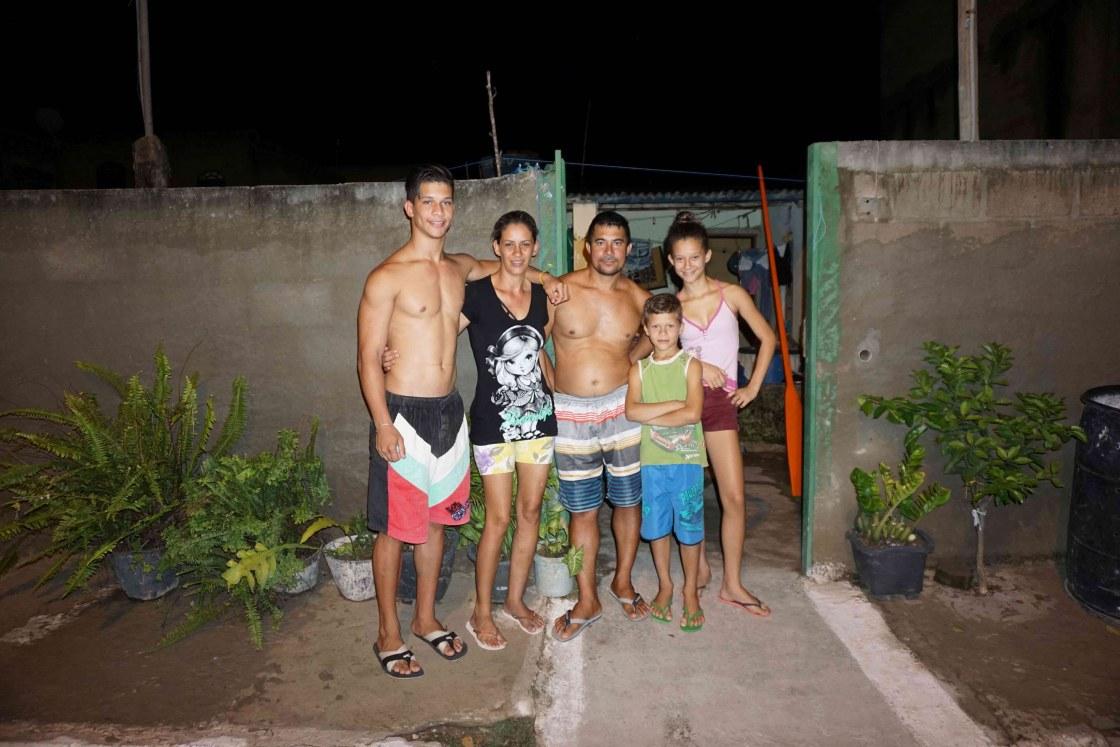 Batista-en-Belonia-met-kinderen