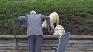 Hans Kongelige Højhed Prins Henrik besøger Skandinavisk Dyrepark
