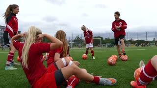 Amalie går på Nørre Fælled Skoles idrætslinje