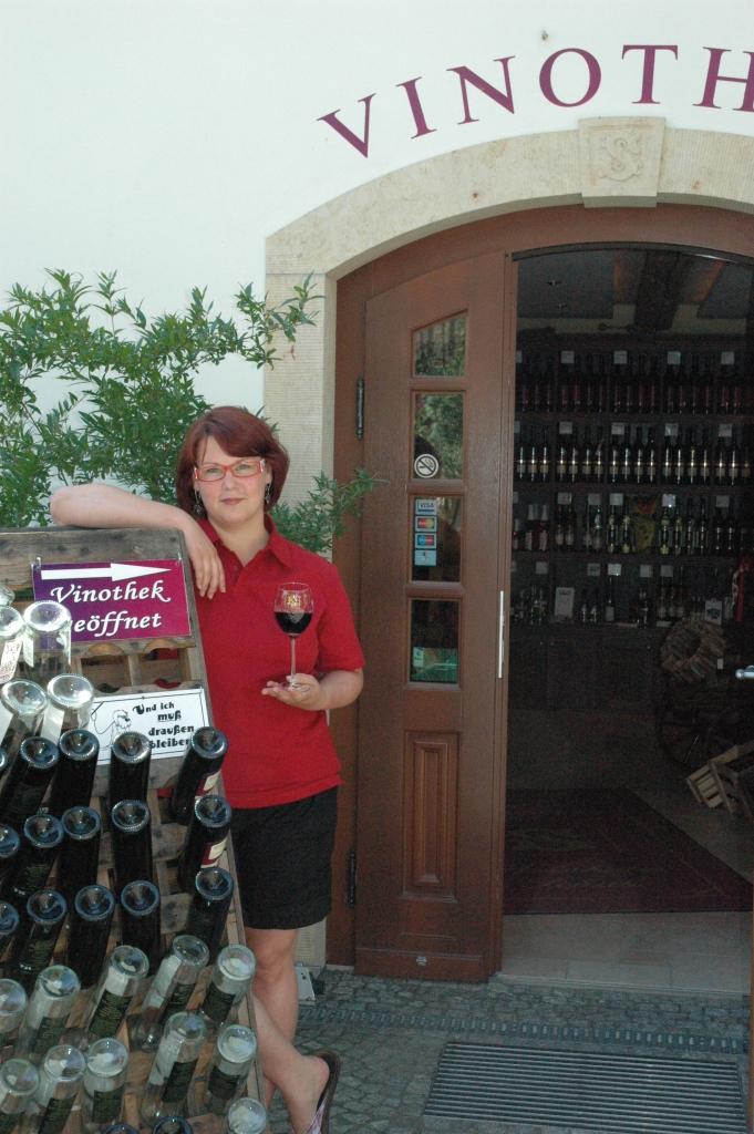 Fröken Schuh vars familj gör vin av dunkelfelder av högsta klass