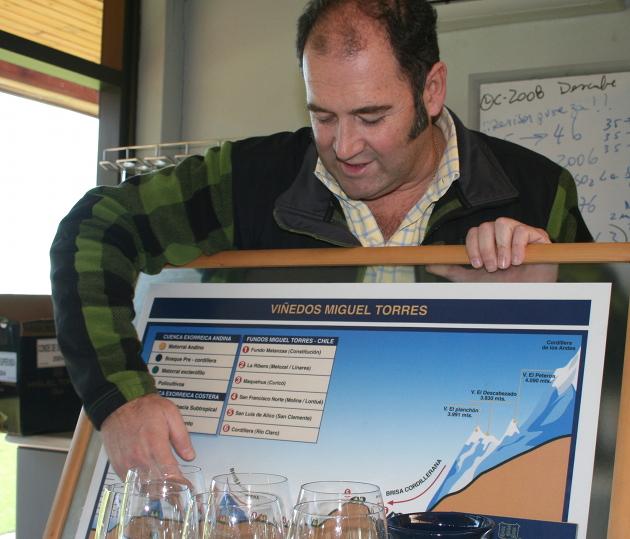 Fernando Almeda är vinmakare på Torres i Chile sedan många år.