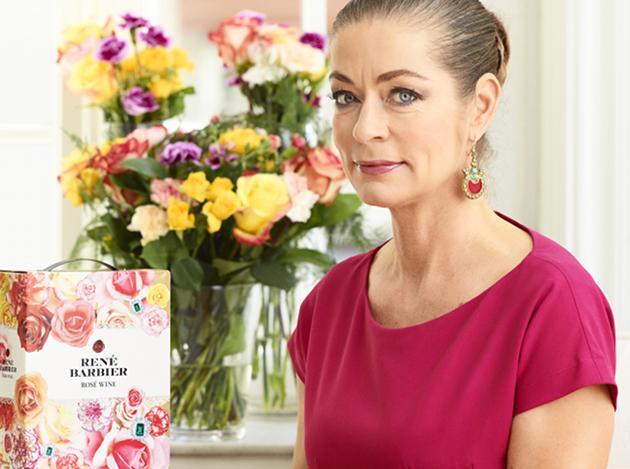 Camilla Thulin har designat den färgglada boxen för Renée Barbiers rosévin.
