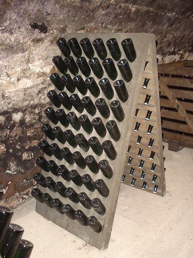 Champagnehistoria-med-La-Grande-Dame-pupitre