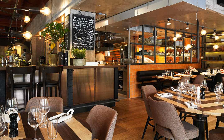 kitchen-&-table-bord