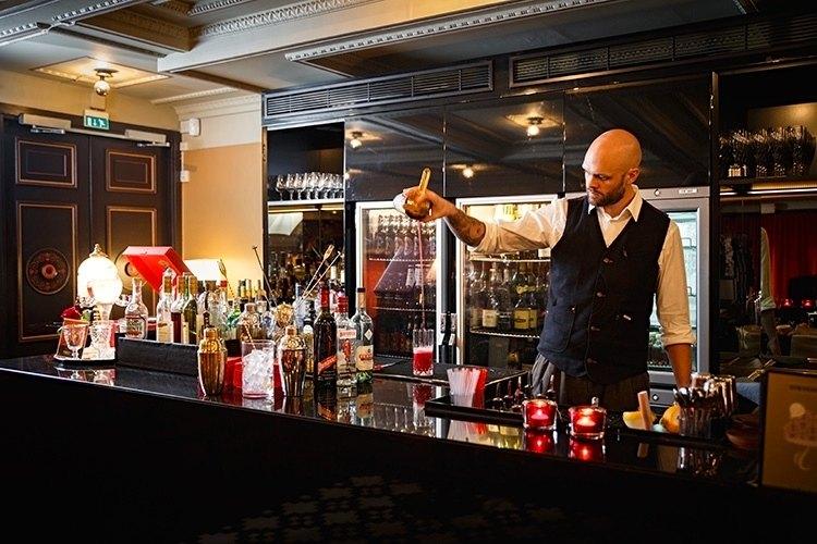 metropol-palais-bar