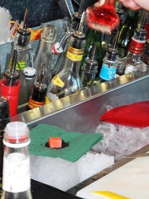 akvavit-drink-aalborg-taffel-gondolen-Gondolen-Rød-Dansk-copy-vinbanken-2