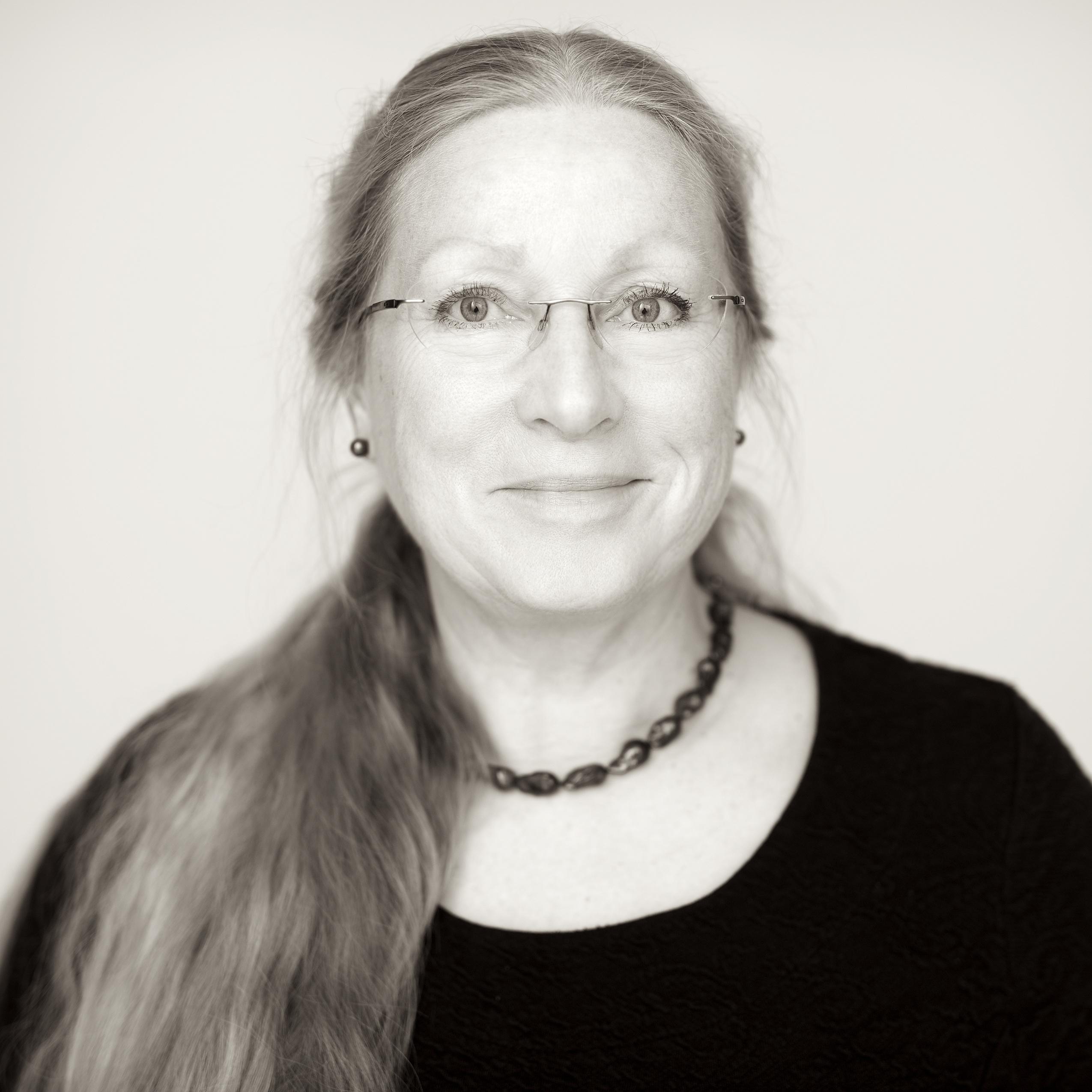 Annika Groven 147930 Web