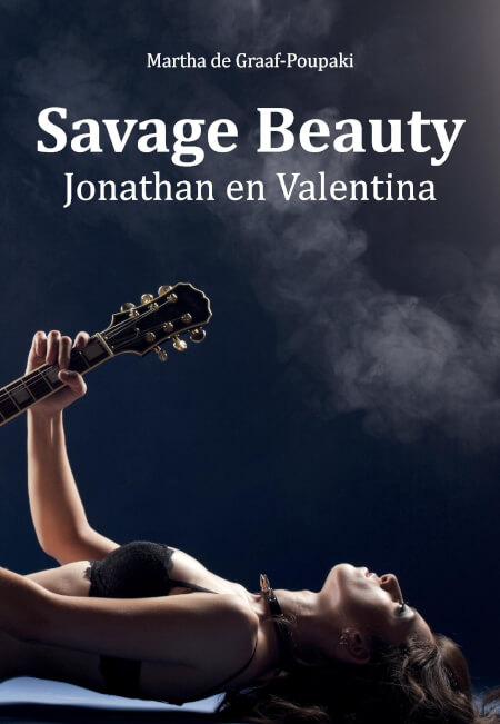 Cover Savage Beauty