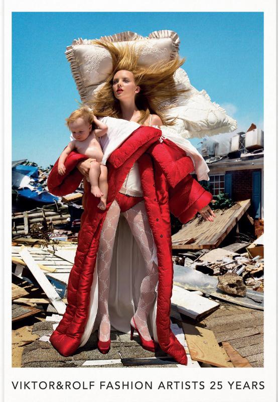 Cover Viktor & Rolf: Fashion Artists 25 Years