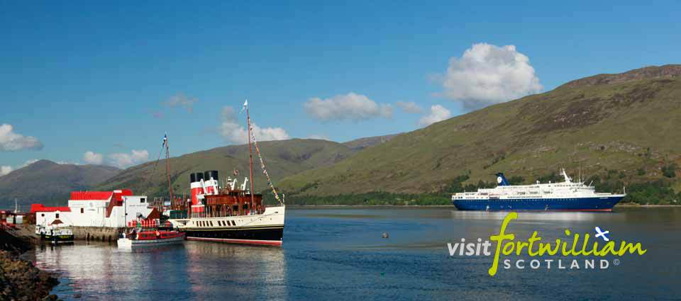 Cruise boats visit Fort William