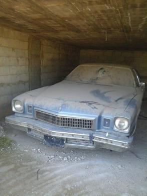 Buick in Tripoli - بويك روكال موديل 1974 اربع ابواب انقاض فول اوبشن لﻻتصال 03238709