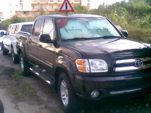 Other in Beirut - 2004 TOYOTA TUNDRA Limited,4 doors black