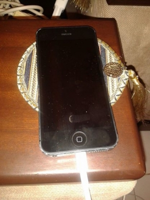 Phones, Mobile Phones & Telecoms in Tripoli - Iphone 5 32g for sale or trade