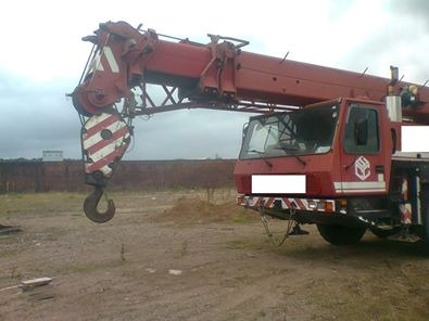 Vans, Trucks & Plant in Beirut City - Grove Telescopic Crane 70 Tons Model 2001