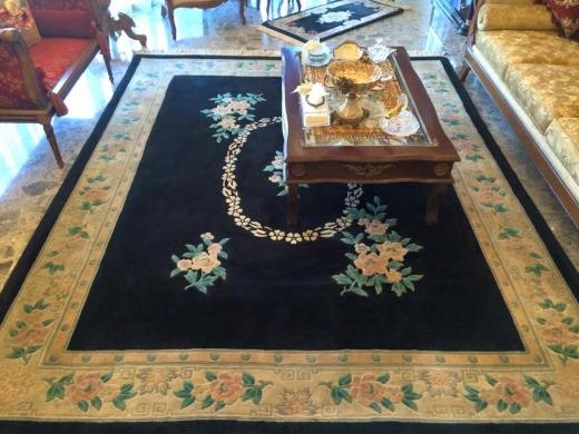 Home & Garden in Tripoli - سجاد للبيع ٢ كبير + ٢ صغير