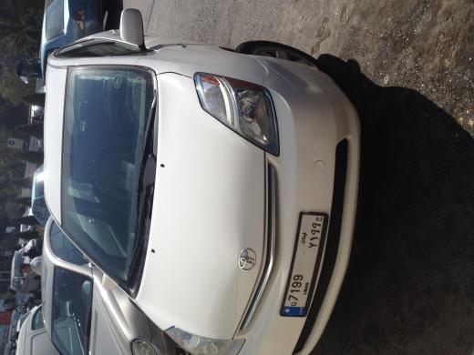 Cars in Sin el-Fil - Toyota Prius hybrid