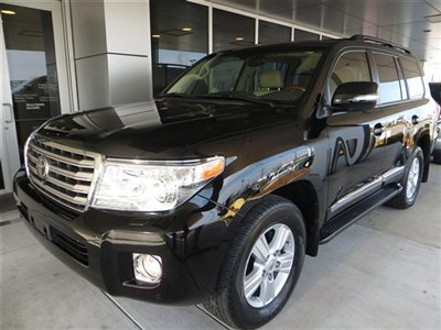 Cars in Al Barbara -  2013 Toyota Land Cruiser 4dr 4WD SUV