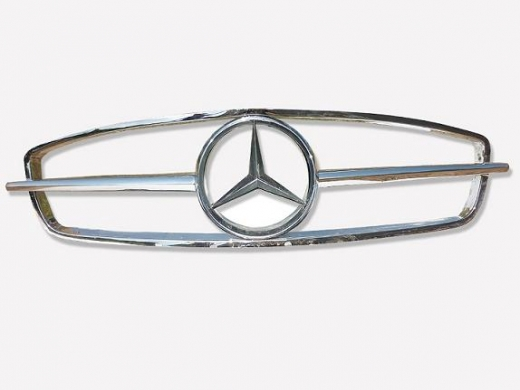 Car Parts & Accessories in Al Dahye - Mercedes Benz 190SL grill  1955-1963