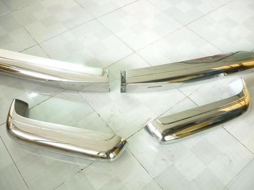 Car Parts & Accessories in Al Dahye - Mercedes Benz W113 Pagoda bumper