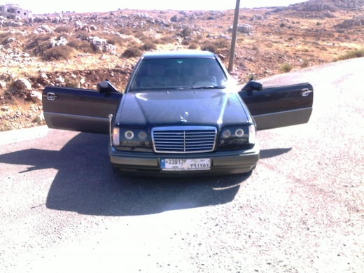 Cars in Kab Elias - Mercedes ce 300 for sale