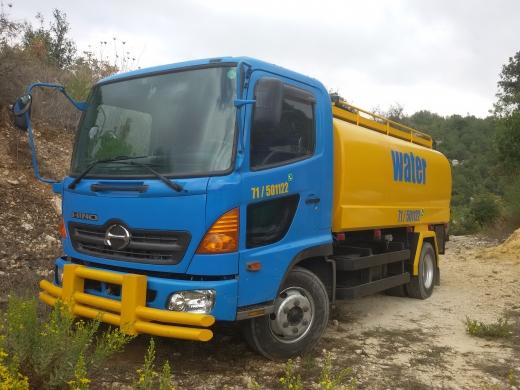 Vans, Trucks & Plant in Jbeil - سيترن تويوتا هينو موديل 2010 شبح للبيع