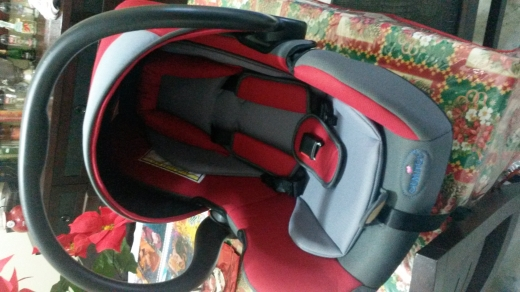 Baby & Kids Stuff in Jounieh - car seat from birth till 13 kg