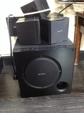 Record Players/Turntables in Jdaide - Sony Surround for Sale + Optical Cable for 100$