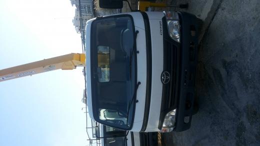 Vans, Trucks & Plant in Khalde - تويوتا داينه 400 مع ونش اجنبيه
