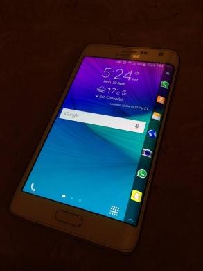 Phones, Mobile Phones & Telecoms in Hamra - Samsung note edge (white 32 GB)