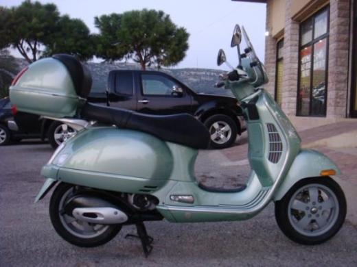 Motorbikes & Scooters in North - 2007 Piaggio Vespa 200
