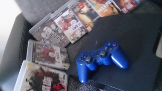 Video Games & Consoles in Badaro - Sony PlayStation 3 ORIGINAL with 7 games