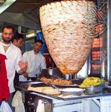 Restaurants in Beirut - شاب سوري الجنسية معلم شاورما وسناك ذو خبره يبحث...