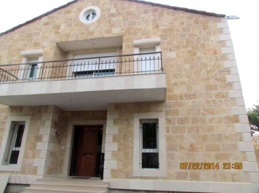For Sale in Jbeil - Jbeil 490 m2 villa for sale on a land 1000 m2.
