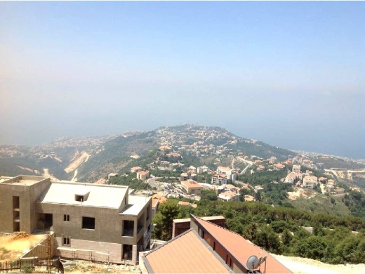 For Sale in Kfour - Kfour 250 m2 apartment in Kfour for sale.