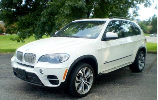 Cars in Bab Maraa - 2011 BMW X5 xDrive35d 4x4 SUV