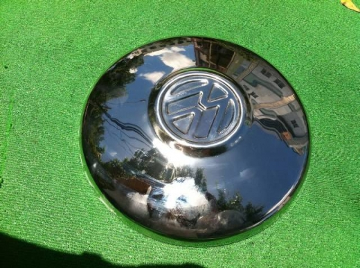 Car Parts & Accessories in Al Dahye - VW Beetle hub cap 1968-1979