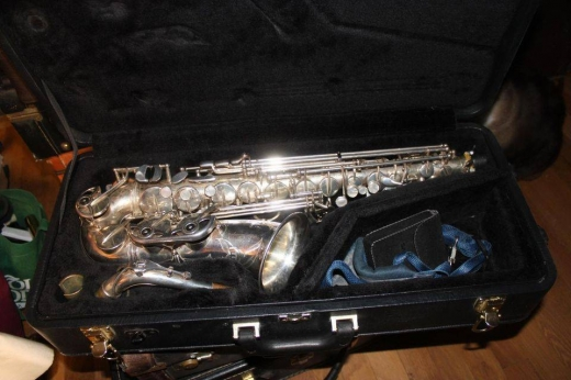 Musical Instruments & DJ Equipment in Hadeth el-Joubbeh - For Sell All Kinds Of Musical Instruments