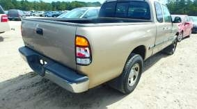 Other in Beirut - 2002 toyota tundra 4 doors, 6 cyl, 2wd, imported super clean