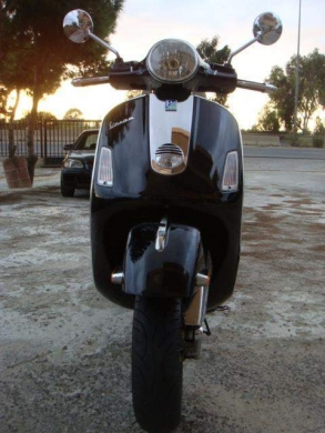 Motorbikes & Scooters in Beirut - 2009 vespa gts 250ie