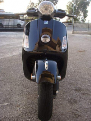 Motorbikes & Scooters in Beirut - 2009 vespa gts250ie