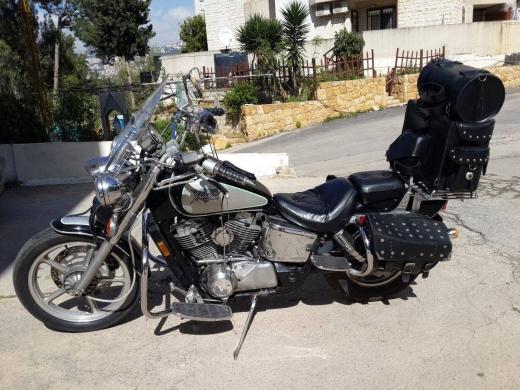 Motorbikes & Scooters in Dik El Mehdi - Honda Shadow vt1100 look Harley