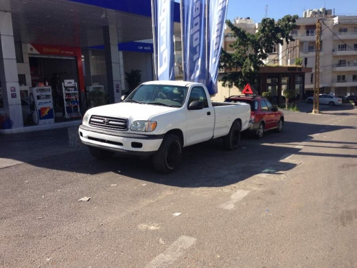 Other in Beirut - toyota tundra 1 door, v6, auto, a/c...