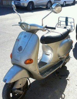 Motorbikes & Scooters in Beirut - vespa et4 125cc et4 piaggio silver scooter motor bike