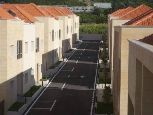 To Rent in Rmeileh - Villa In Rmaileh